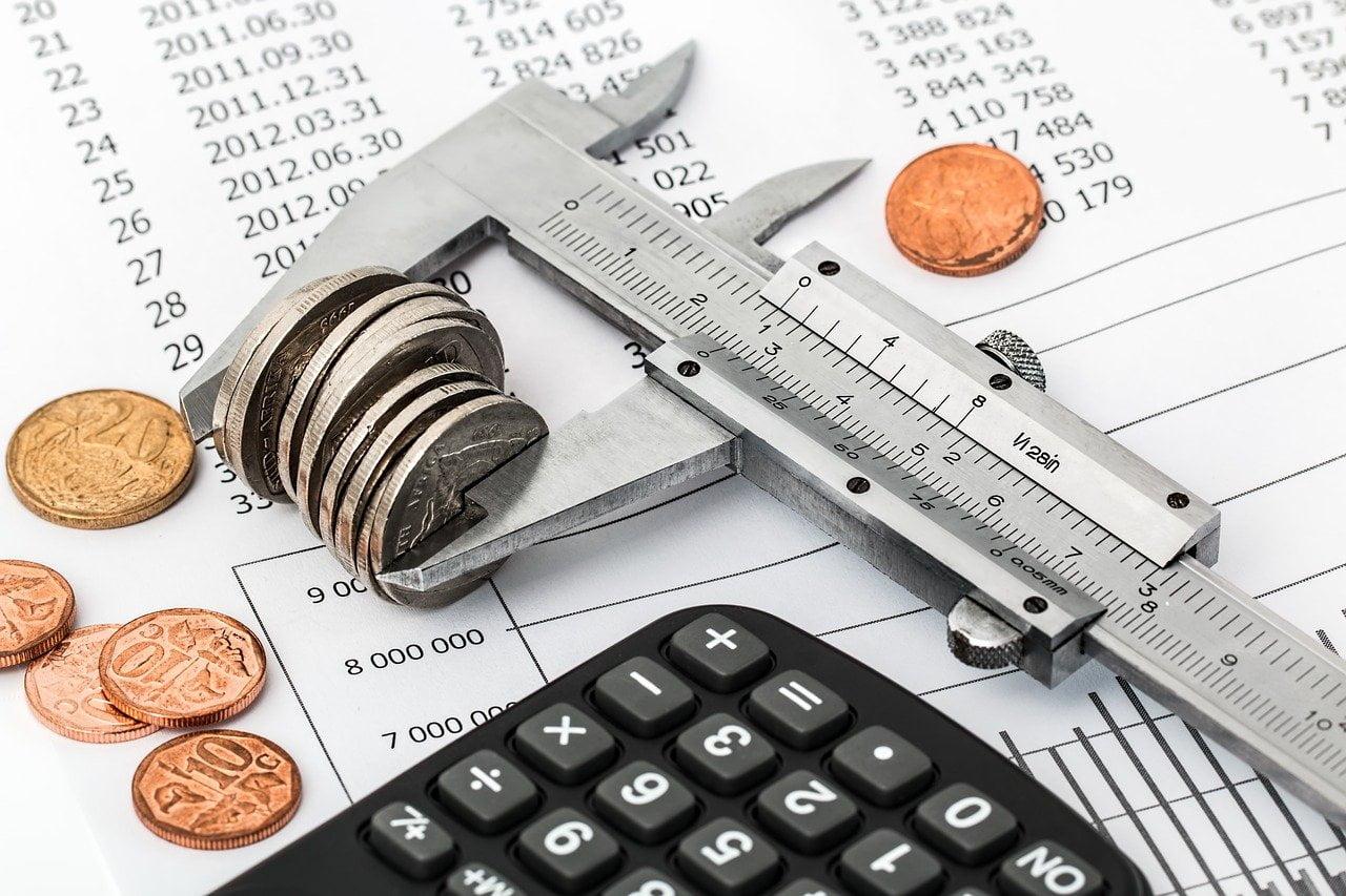 How do FX brokers make money